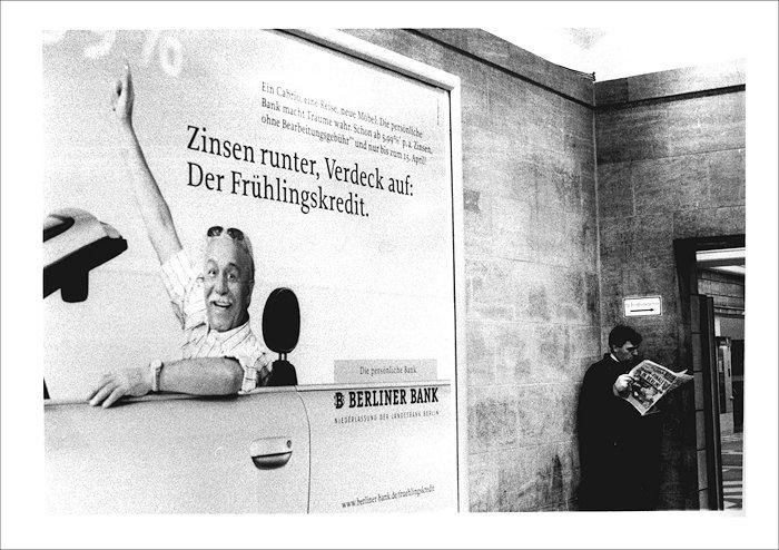 Streetfotografie Zeitungsmann 2