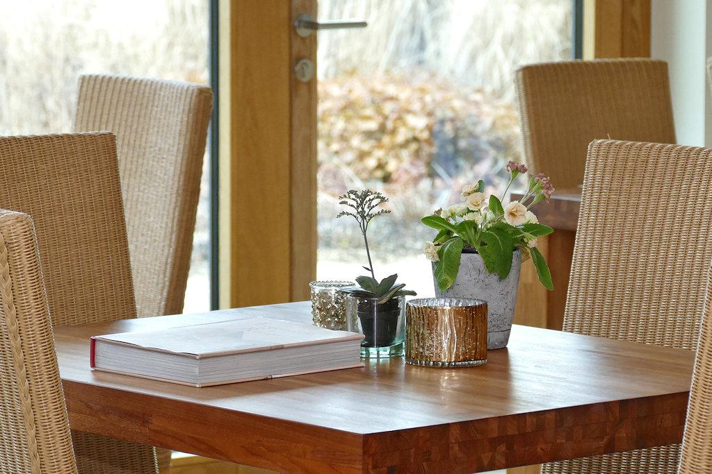 einfach schön liebevoll dekorierter Tisch