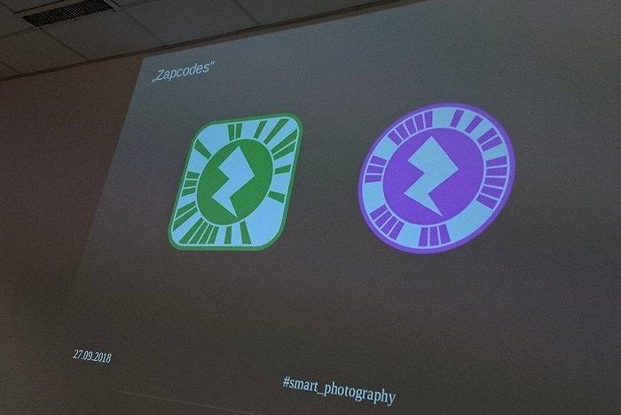 Grüne und lila Button als Codes