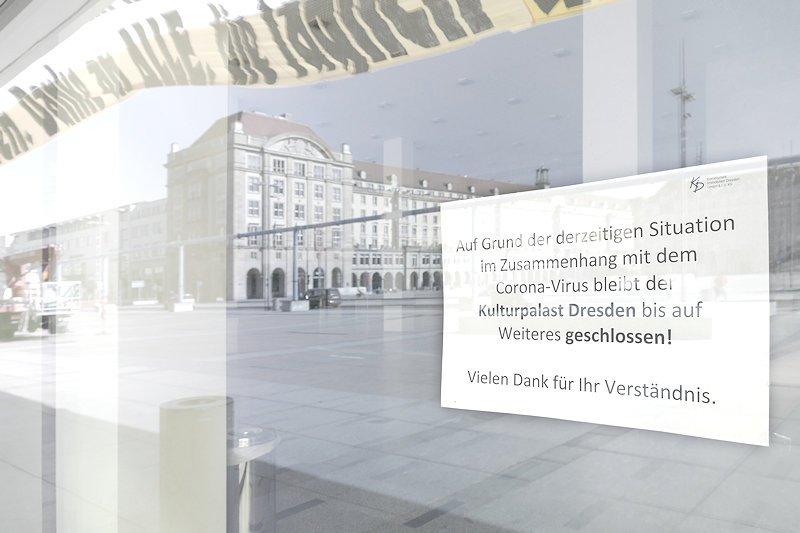 Hinwies am Kulturpalast, wegen Corona geschlossen